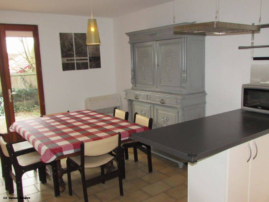 Holiday semi detached house for 6 to rent in Vieux Boucau ref:V8